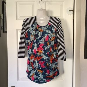 New! Lularoe stripes and feathers t-Shirt